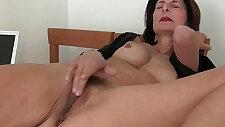 Porn will get moms pussy juicy