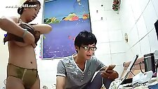 Hackers use the camera to remote monitoring of a lover\'s home life.323