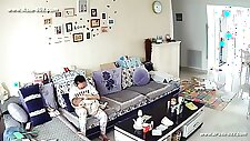 Hackers use the camera to remote monitoring of a lover\'s home life.422