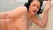 Nasty housewive gets her tight cunt fucked